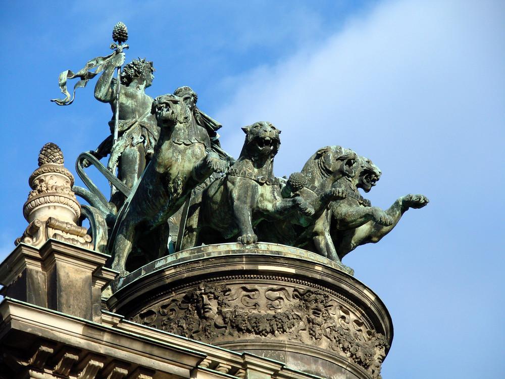 Die imposante Panterquadriga auf der Semperoper in Dresden