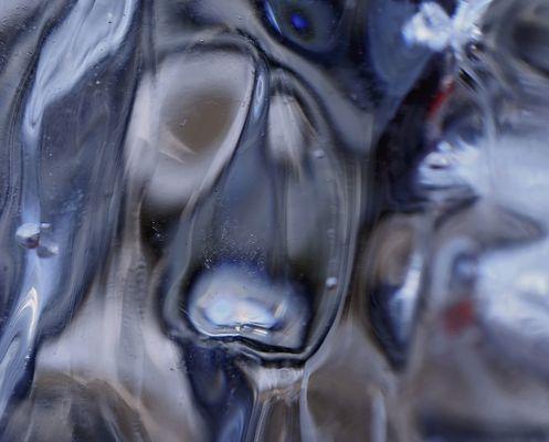 Die Innenwelt eines Eiszapfens! - L'intérieur d'un glaçon!