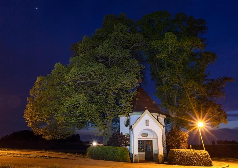 Die Kapelle an der Kreuzung