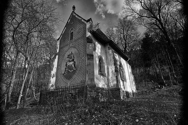 die Kapelle im Wald ...