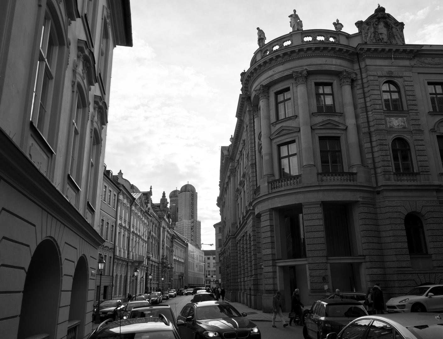 Die Kardinal-Faulhaber-Strasse