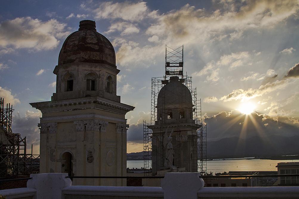 die Kathedrale von Santiago de Cuba abends