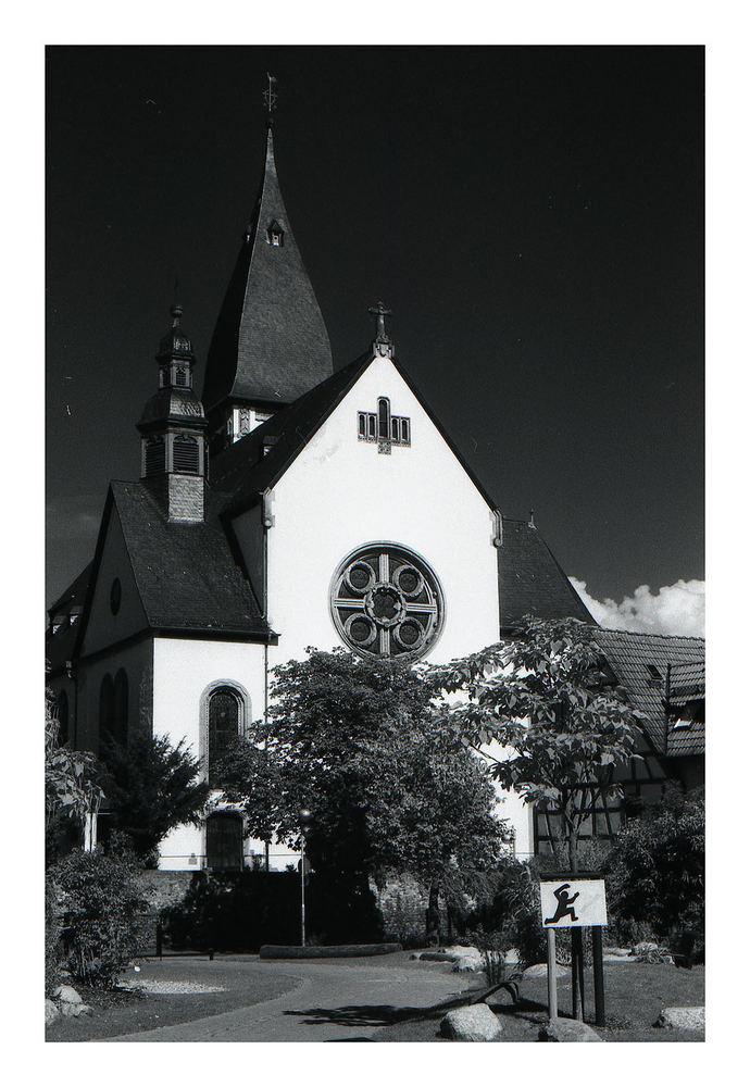Die katholische Kirche von Hattersheim - 2