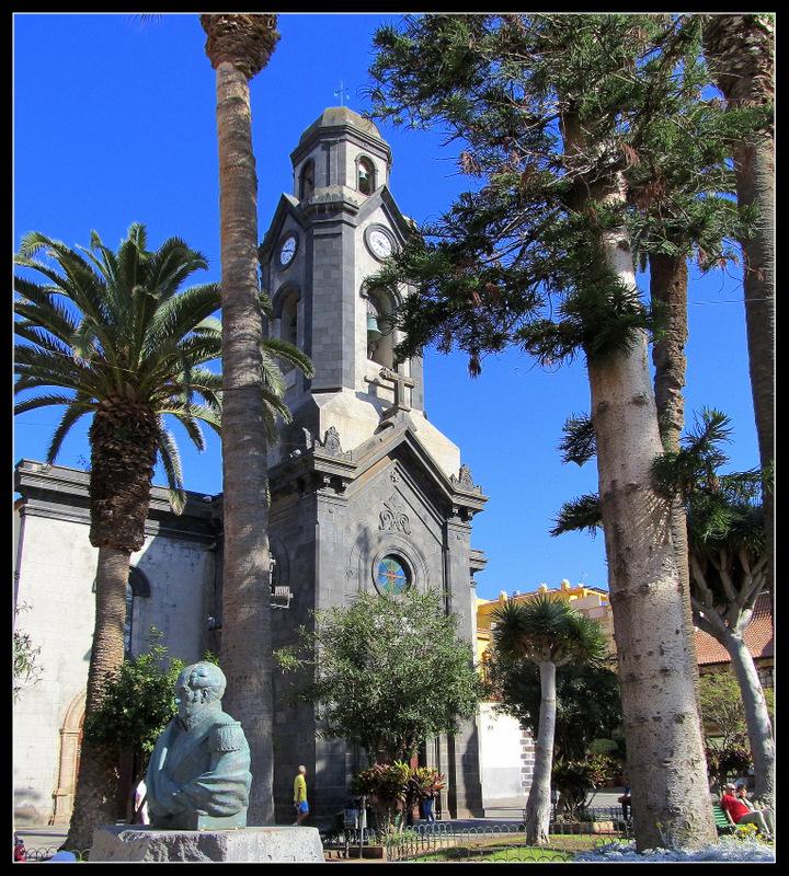 "Die Kirche auf der ""Plaza de La Iglesia"" in Puerto de la Cruz"