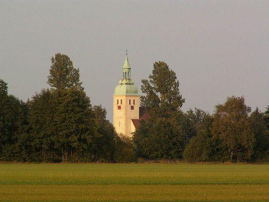 Die Kirche im Dorf...