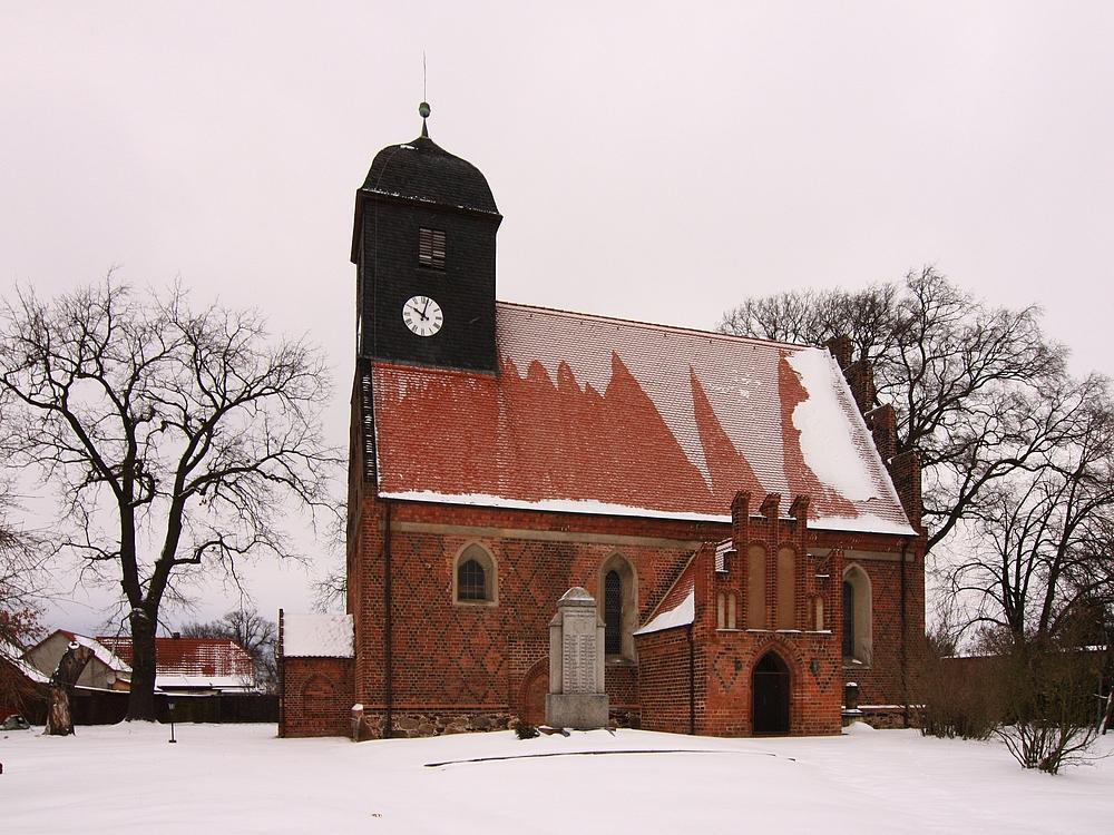 Die  Kirche in Briesen....