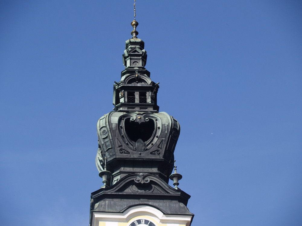 Die Kirchturmspitze der Kirche zu Kallham