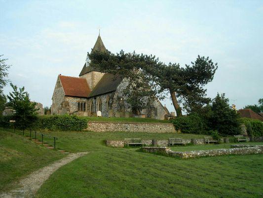 Die kleine Kirche auf dem Hügel