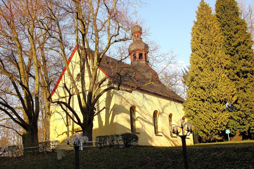 die kleine St. Peter Kapelle ...
