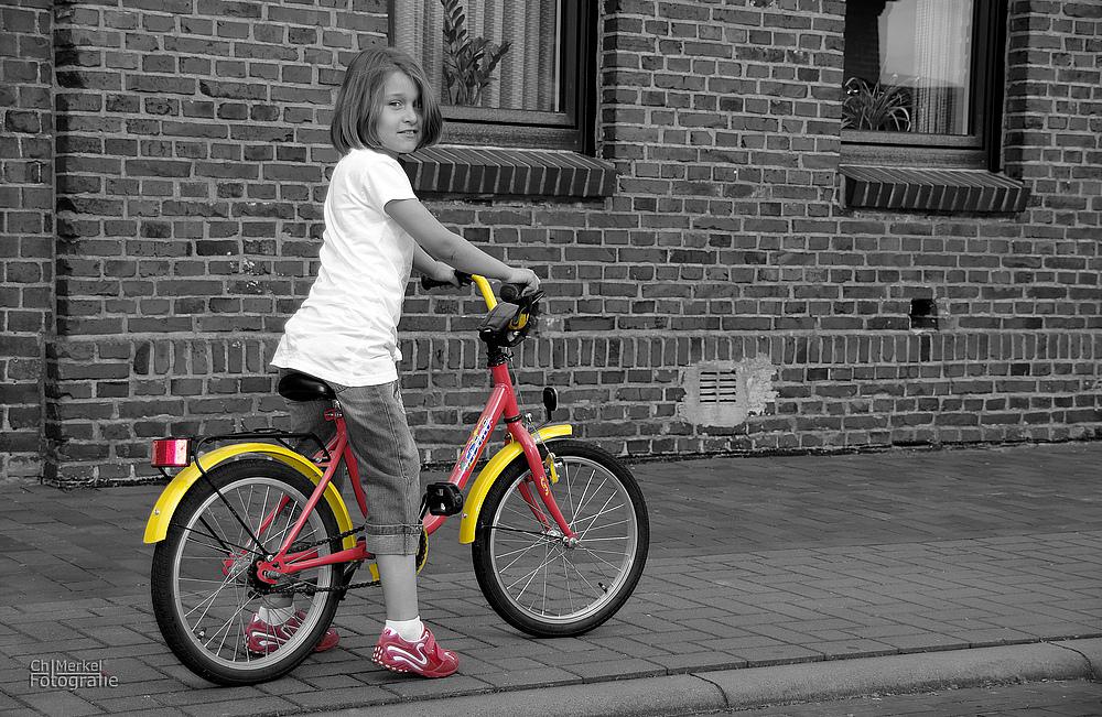 Die Kleine und das Fahrrad
