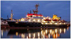 Die -- KOMET -- Vermessungs- und Wracksuchschiff, am Liegeplatz in Bremerhaven ....