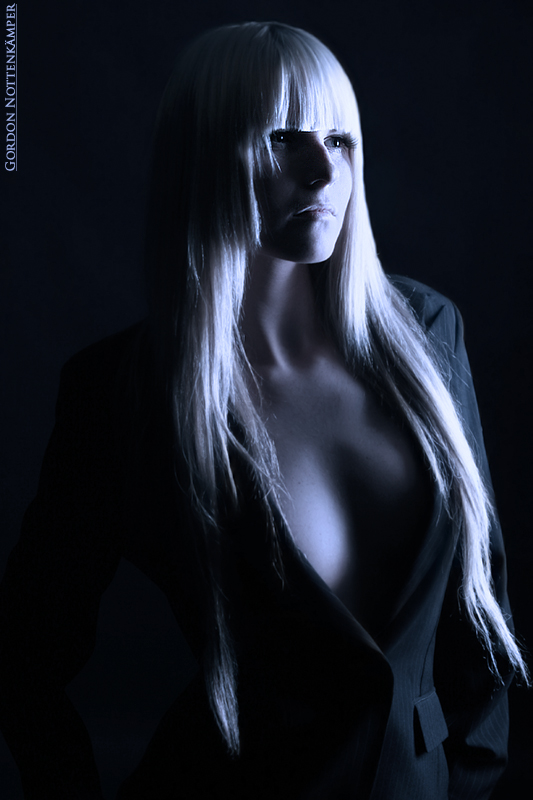 die kühle blonde...
