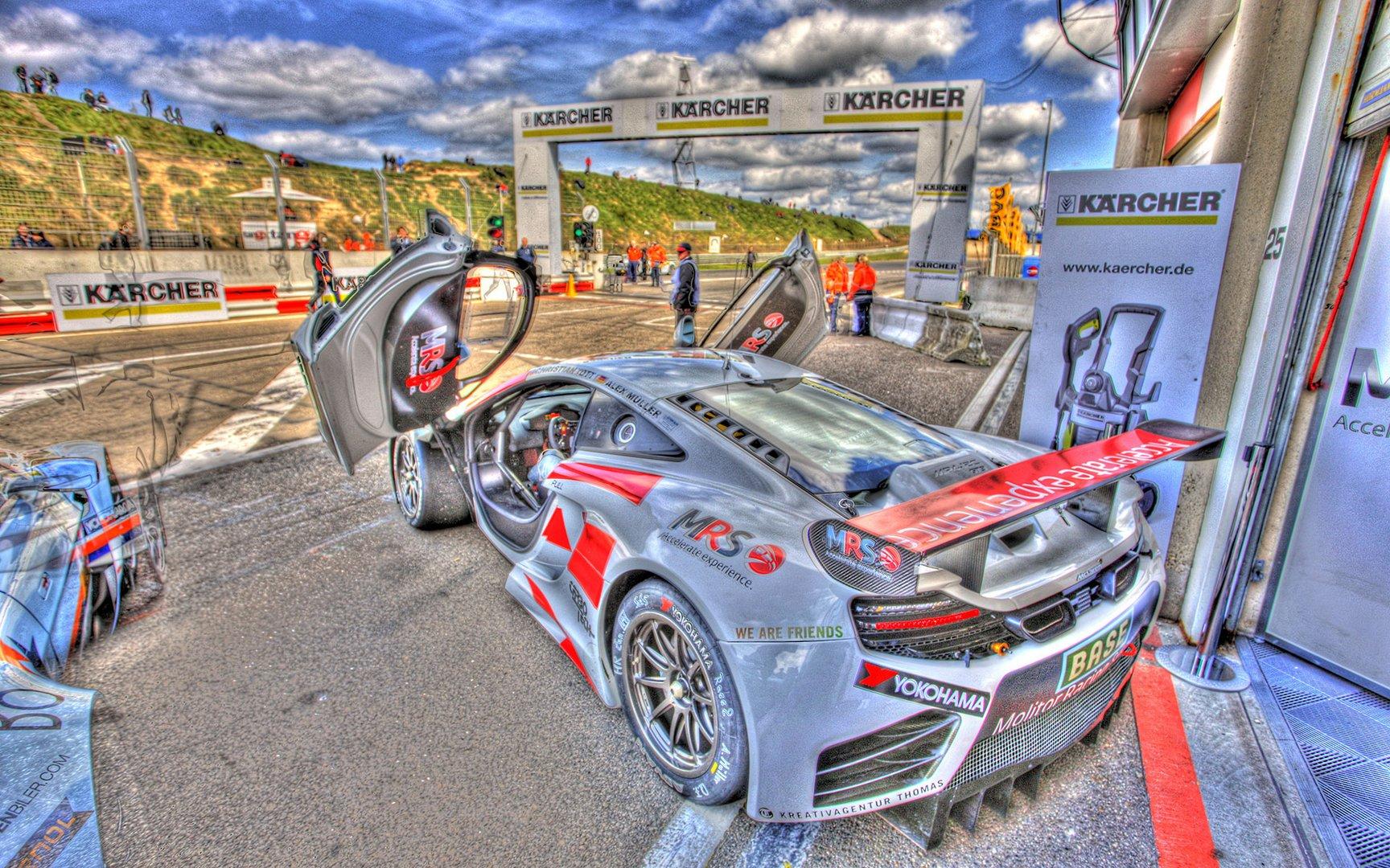 Die Kunst des Motorsports