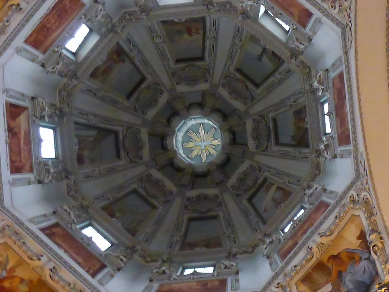 Die Kuppel im Dom zu Salzburg