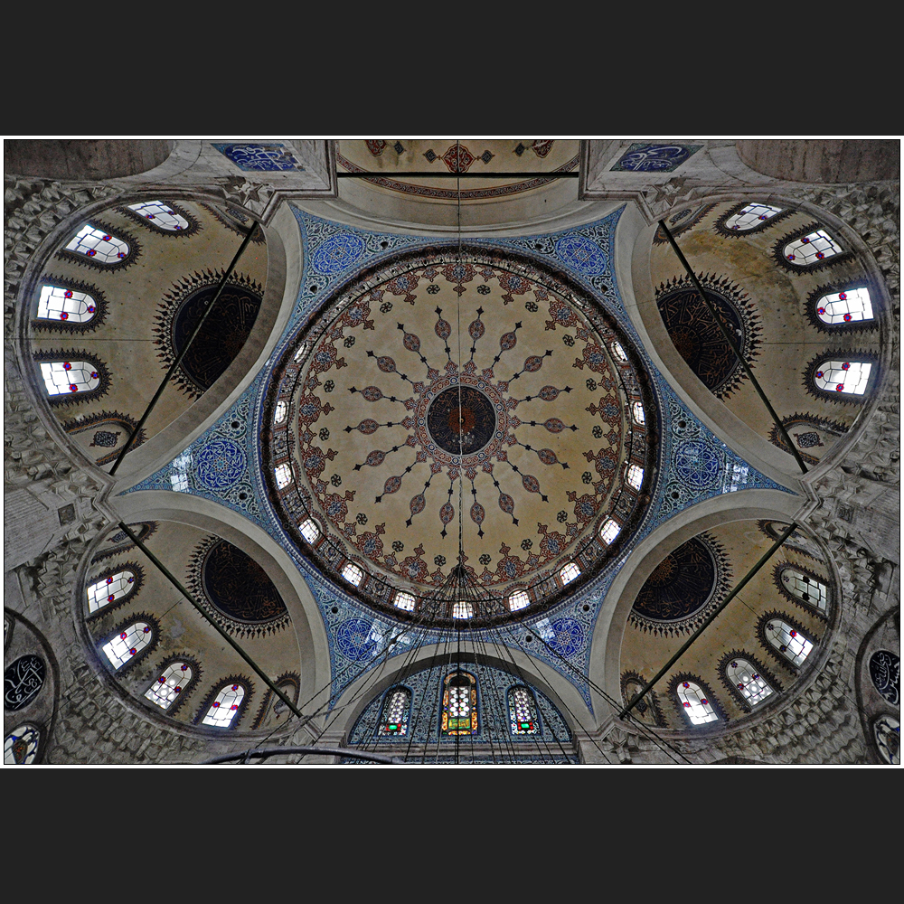 Die Kuppeln der Sokullu Mehmet Pasa Camii