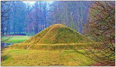 """Die Landpyramide """"Oben ohne"""".."""