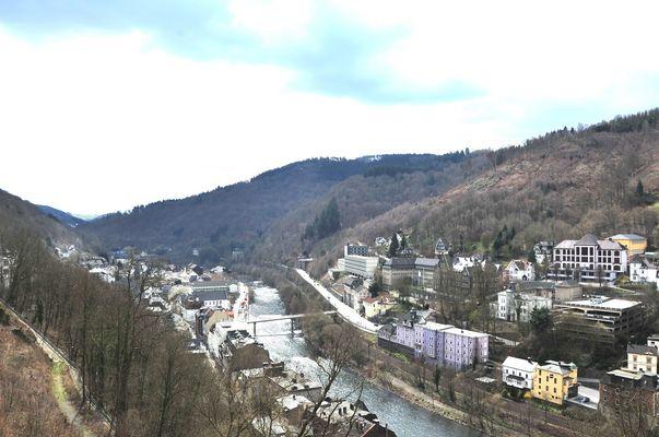 Die Lenne Burg Altena kl. Panoramablick>>>