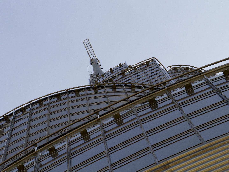 … die letzten der 828 Meter des Burj Khalifa, gesehen von der Aussichtsplattform …