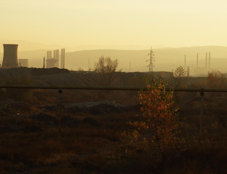 Die letzten Schornsteine des Eisenwerks Hunedoara (30-10-2010)