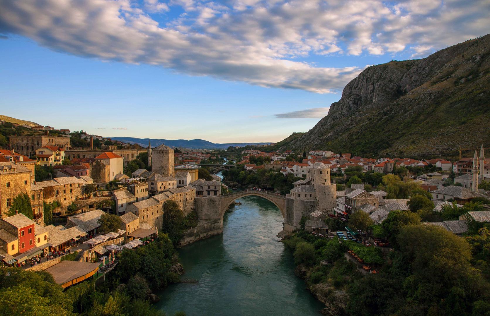 die letzten Sonnenstrahlen über Mostar