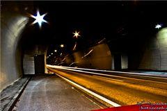Die Lichter in der MItte des Tunnels