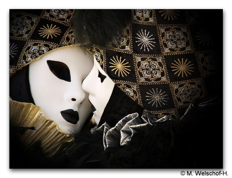 Die Liebe der Masken.........
