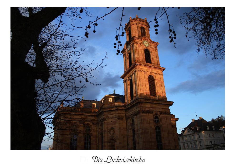 Die Ludwigskirche bei Sonnenuntergang
