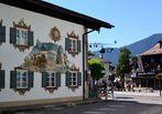 Die Lüftlmalerei von Oberammergau…