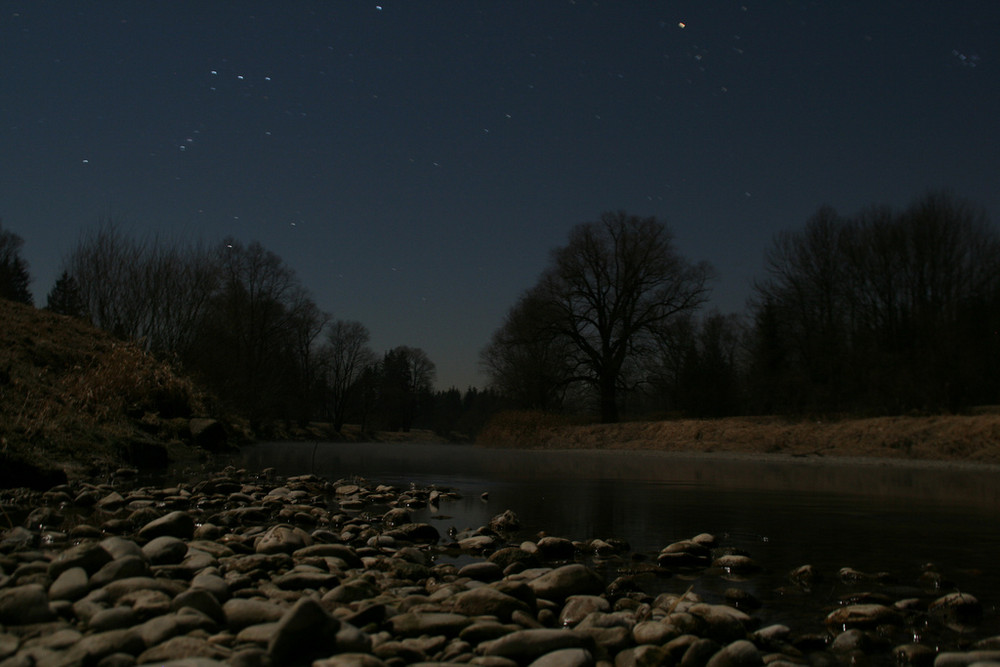 Die Mangfall im Mondschein