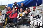 Die Mannschaft nach der Ankunft auf den Westmänner Inseln in Heimaey.