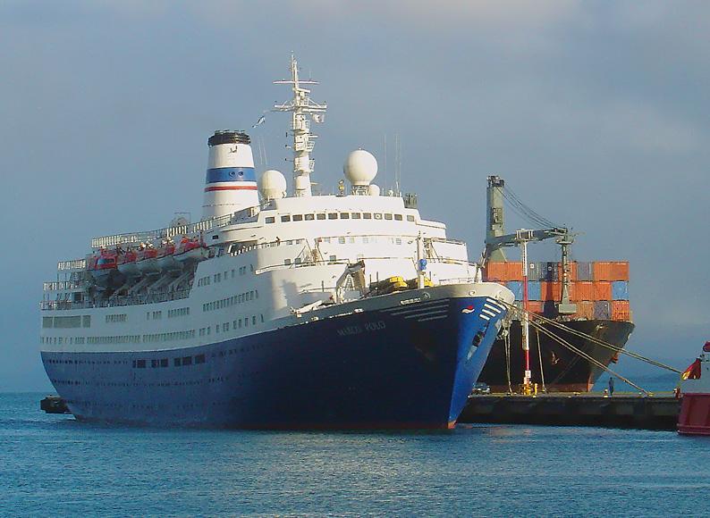 "Die ""Marco Polo"" - in Puerto Madryn, Argentinien"