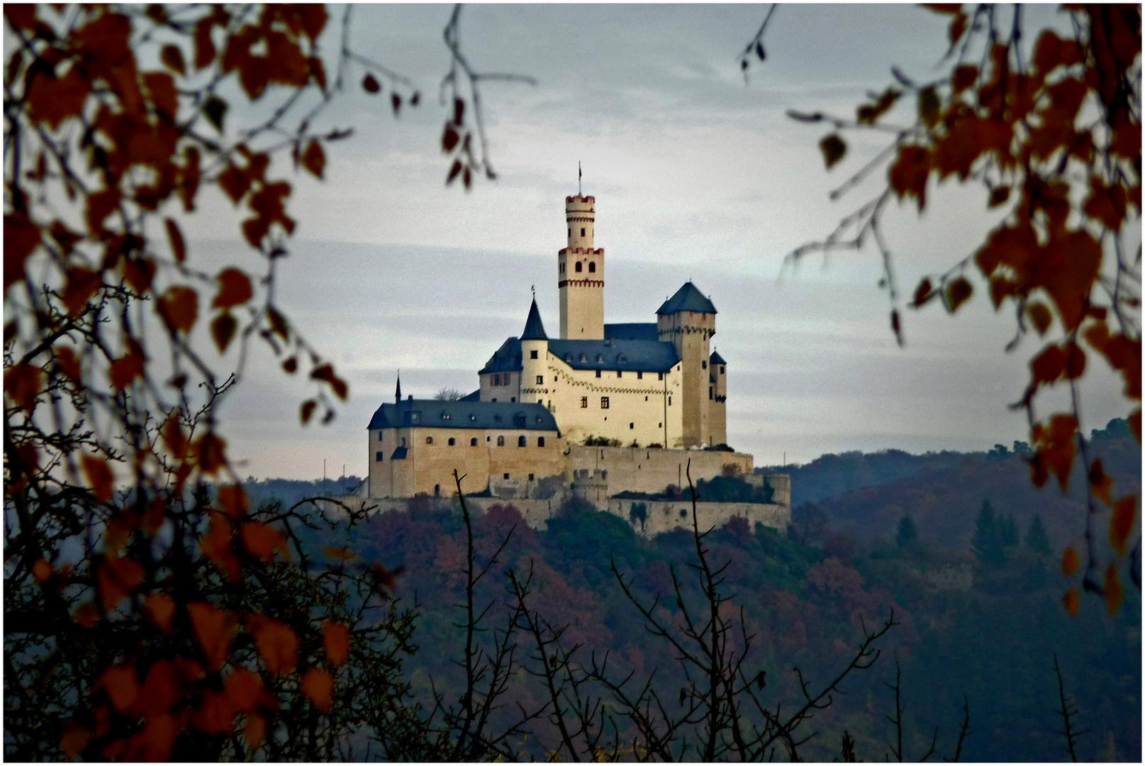 Die Marksburg / Rhein im Herbstlicht (2)