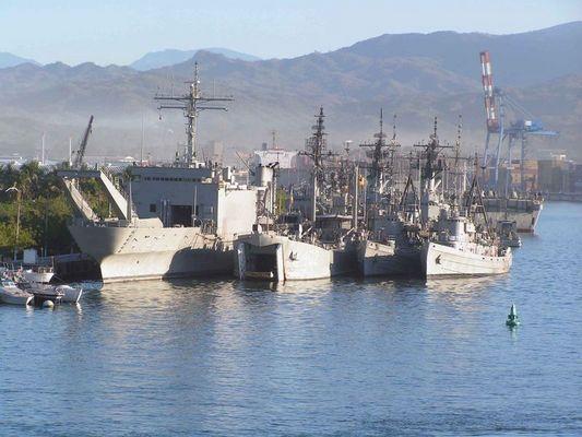Die mexikanische Kriegsmarine am Anker in Manzanillo, Mexiko.