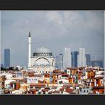Die Mihrimah Sultan Camii und das neue Istanbul