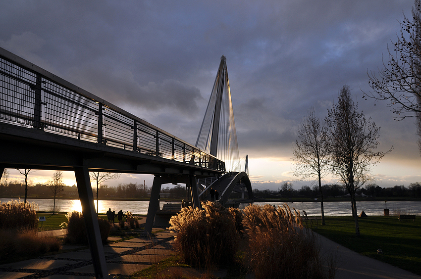 Die Mimram Brücke - Passerelle des deux Rives