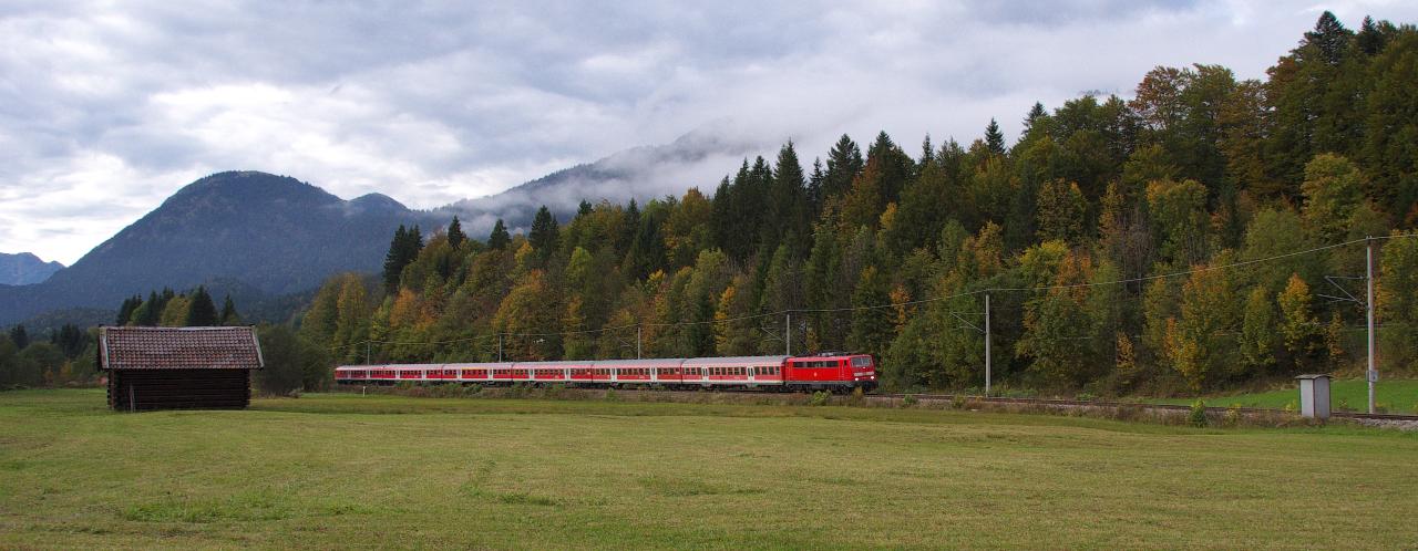 Die Mittenwaldbahn bietet auch an trüben Tagen...