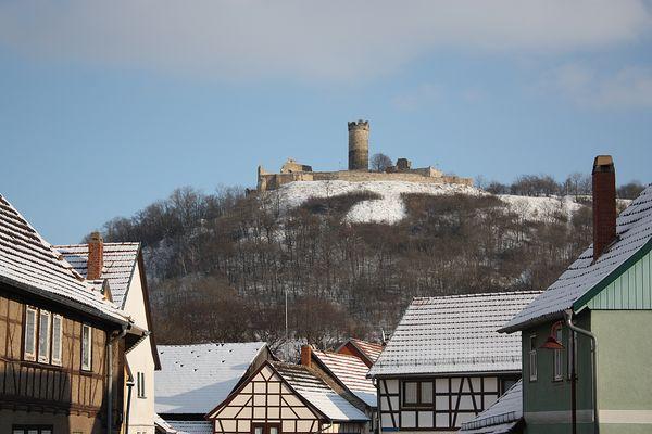Die Mühlburg ,auch eine der drei Gleichen von Mühlberg aus gesehen