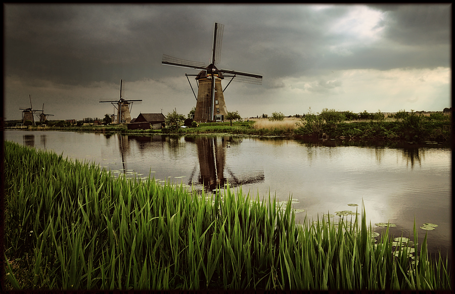 Die Mühlen von Kinderdijk / les moulins de Kinderdjik