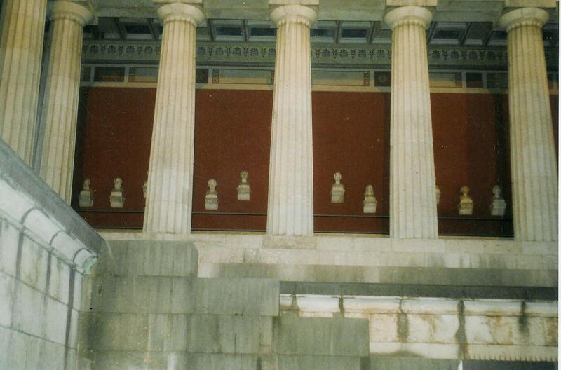 Die Münchner Ruhmeshalle (2)