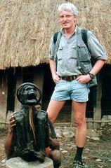 Die Mumie- 350 Jahre alt (im Vordergrund) West Papua