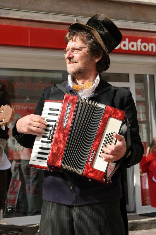 Die Musikanten sind in der Stadt