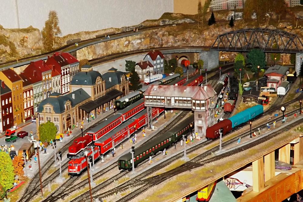 Die neue Modellbahn - 2 -