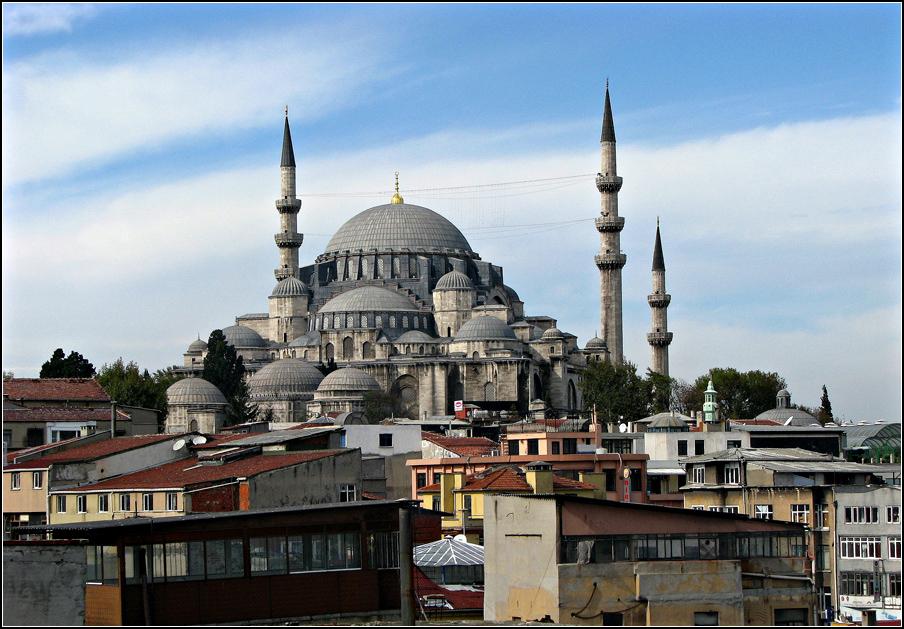 Die neue Moschee, Blickfang der Eminönü-Ufersilhouette.....in Istanbul