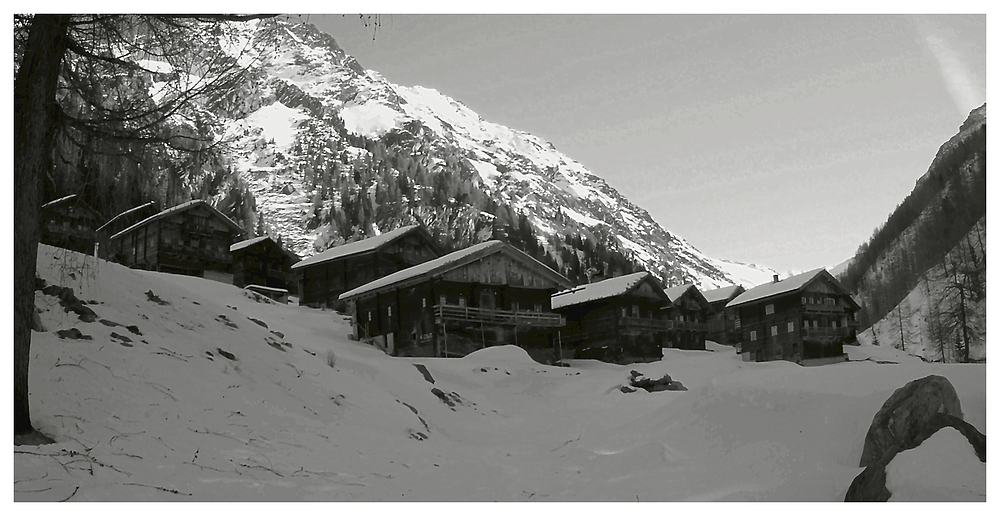 Die Oberstalleralm an einem frühen Wintermorgen