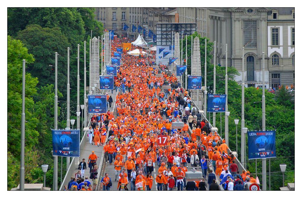 Die orange Invasion