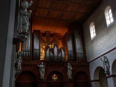 Die Orgel der Basilika  zu Seligenstadt