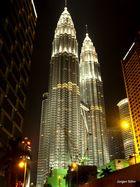 Die Petronas Twin Towers 02