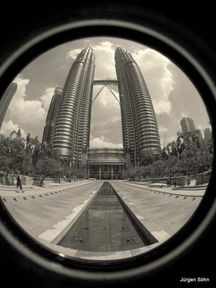 Die Petronas Twin Towers 10