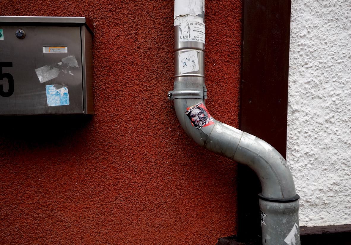 ...die Post kommt...das Wasser geht...
