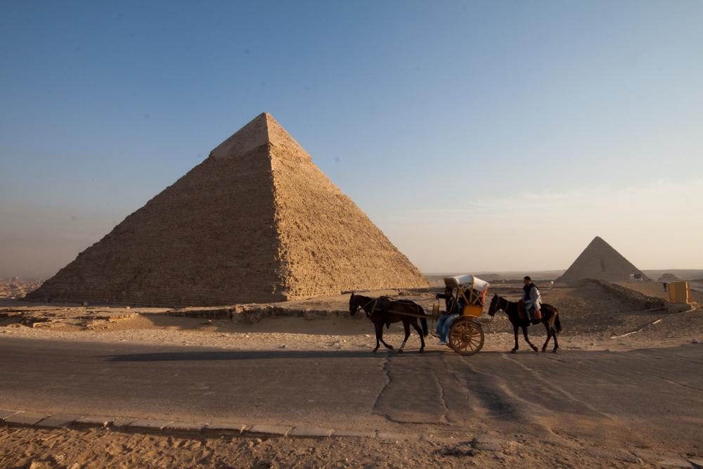 ...die Pyramiden gehen schlafen, alle müssen raus ...